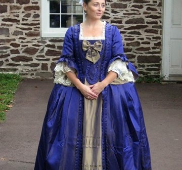 18th century costume, purple Robe a la Francaise