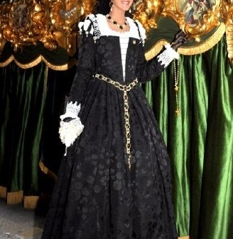 16th century costume, Black Venetian Renaissance gown