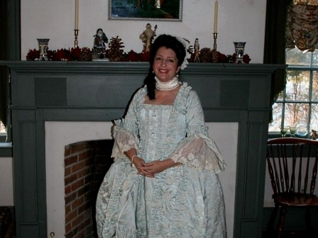 18th century costume, Robe a la Anglaise