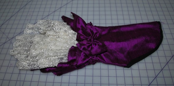 Violet & Roses Robe a la Francaise: Sleeves are done!