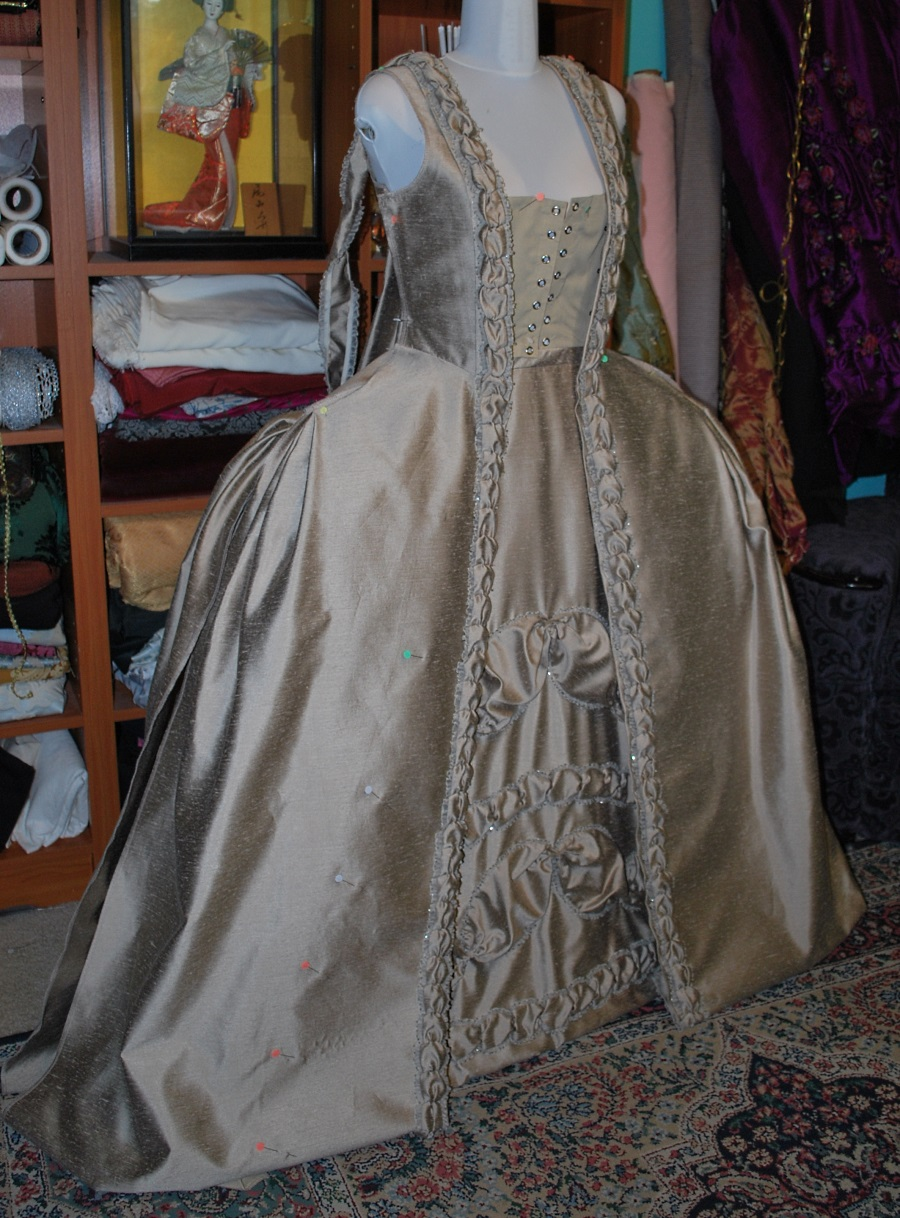 taupe-robe-a-la-francaise-skirt-front-0