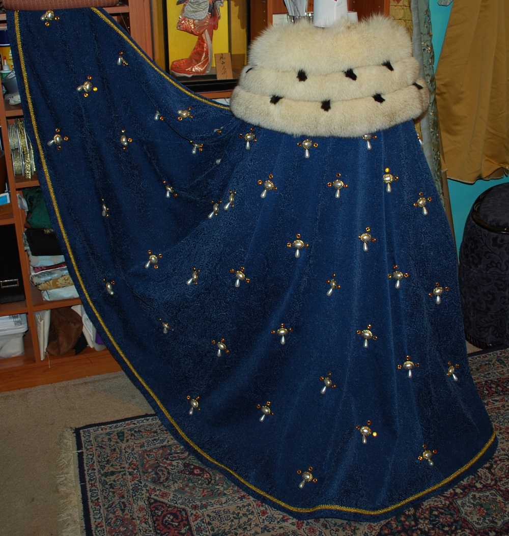 jeweled-ermine-royal-cloak-45